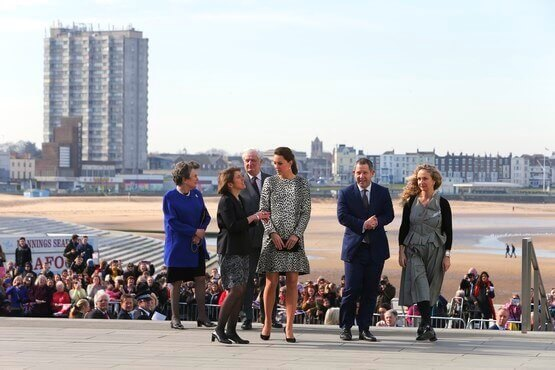 HRH The Duchess of Cambridge arrives at Turner Contemporary to a warm welcome by waiting crowds. (c) Andy Jones/Isle of Thanet Gazette.