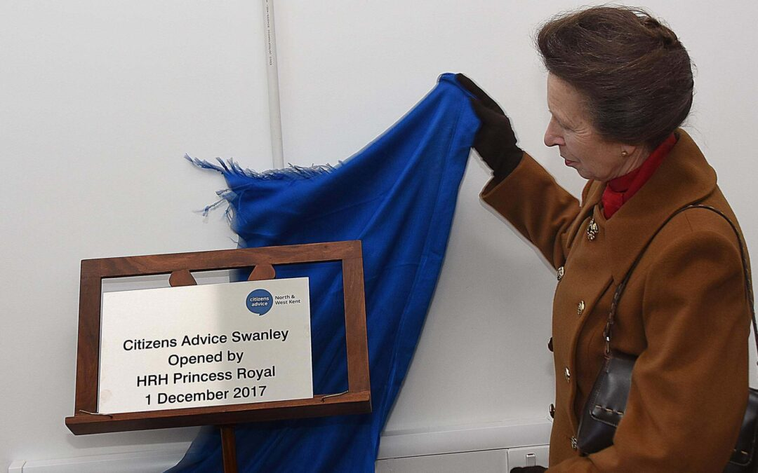 The Princess Royal unveils the plaque to officially open the new Citizens Advice Swanley. (c) Barry Duffield DL