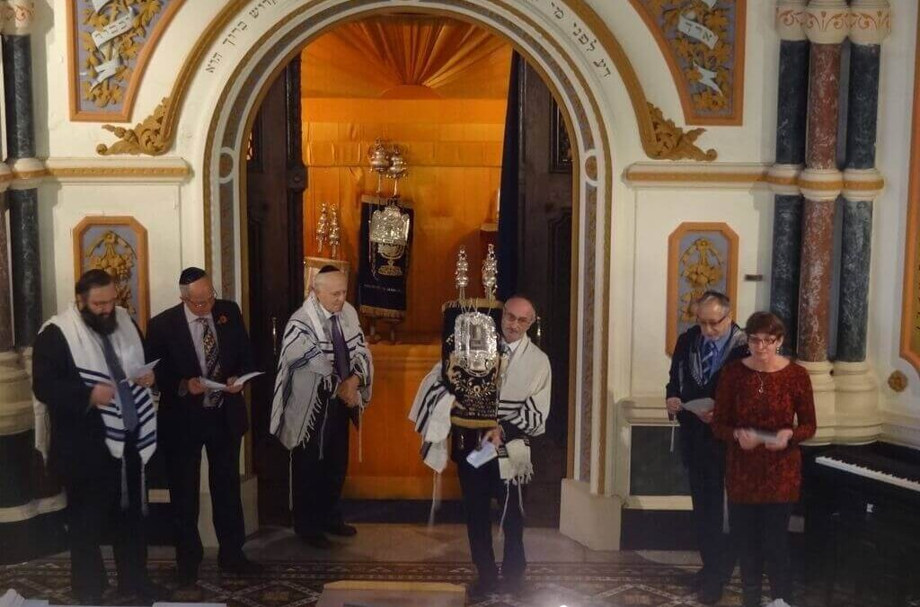 The service in progress where prayers were said for the congregation, the Royal Family, the State of Israel and the Founders of the Synagogue, by members of the Community and Jewish Kent. (c) Chatham Memorial Synagogue.