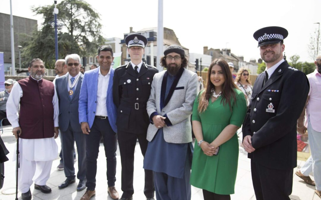 From left to right: Mohammed Aslam, Dr Vasudaven DL, Gurvinder Sandher, Assistant Chief Constable Pete Ayling, Cllr Gurjit Bains and Chief Inspector Andy Gadd. (c)Gravesham Borough Council.